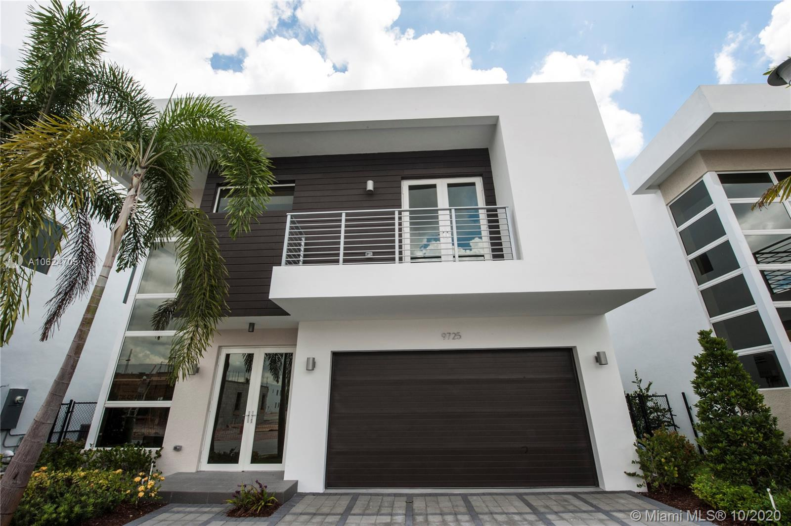 9725 NW 75 Te  For Sale A10624705, FL