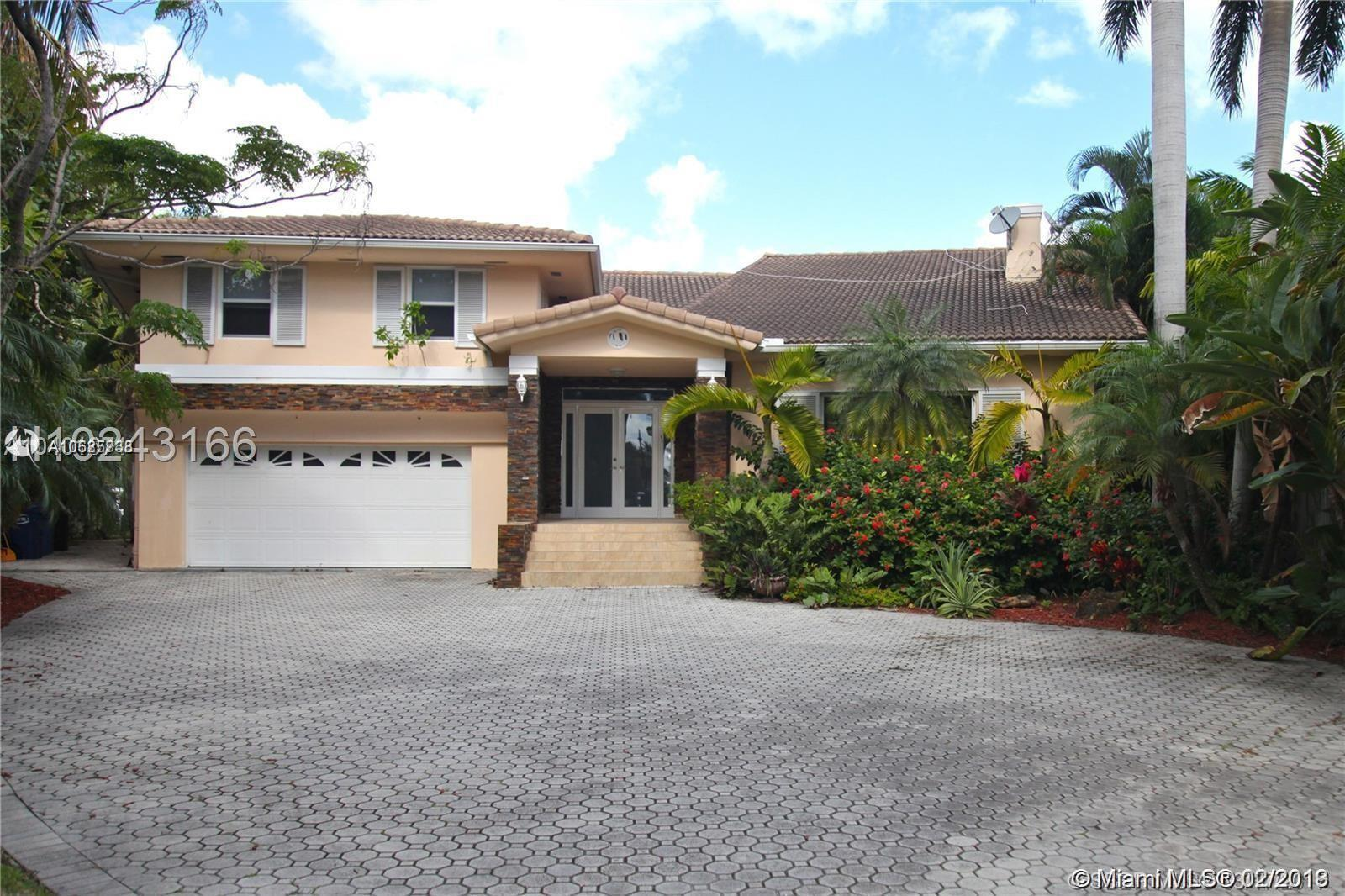 451  Center Island Dr  For Sale A10625738, FL