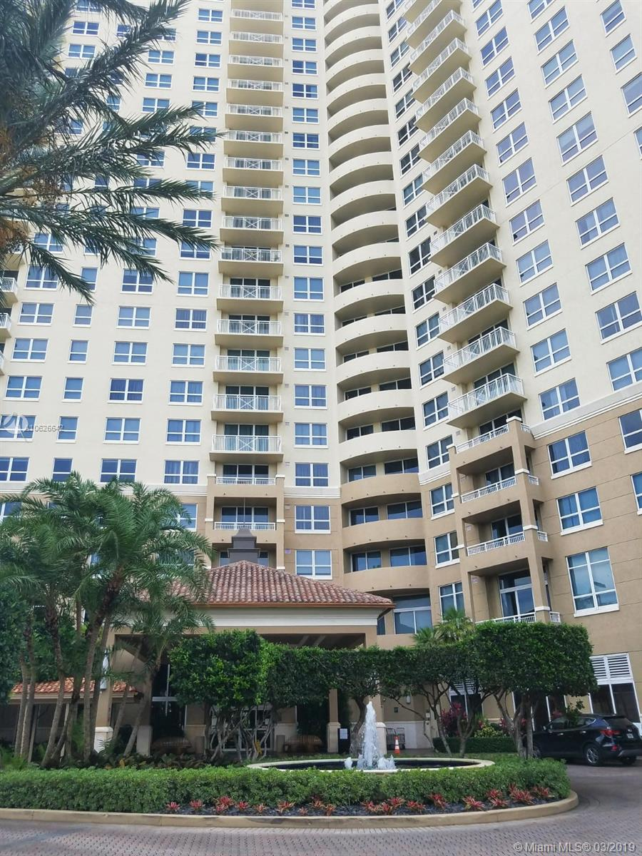 19501 W Country Club Dr #313 For Sale A10626642, FL