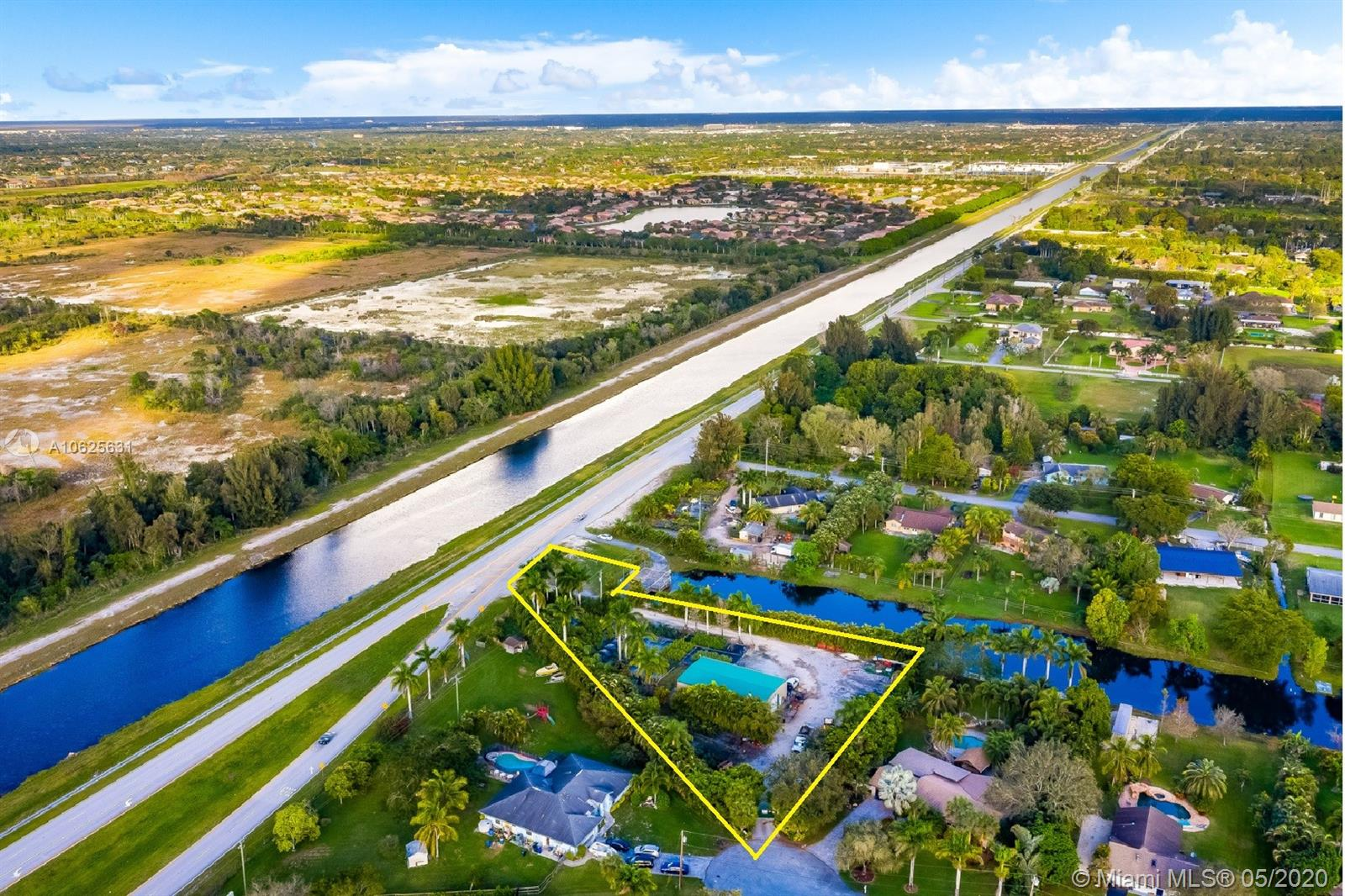 4800 SW 201st Ter  For Sale A10625631, FL