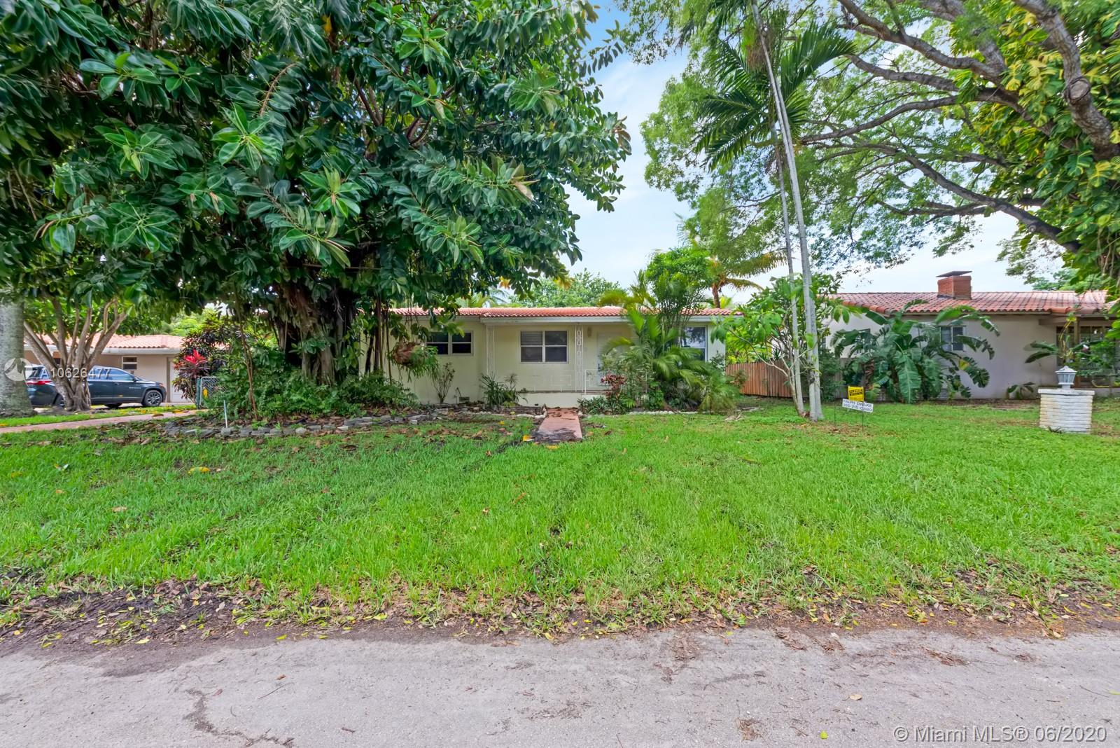 10658 NE 11th Ct  For Sale A10626477, FL
