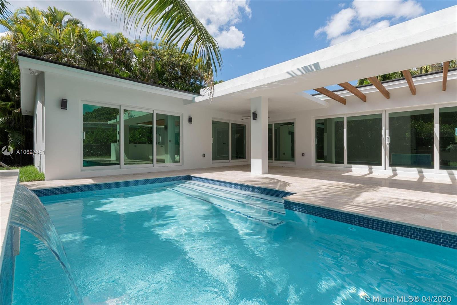 416  Como Ave  For Sale A10627351, FL