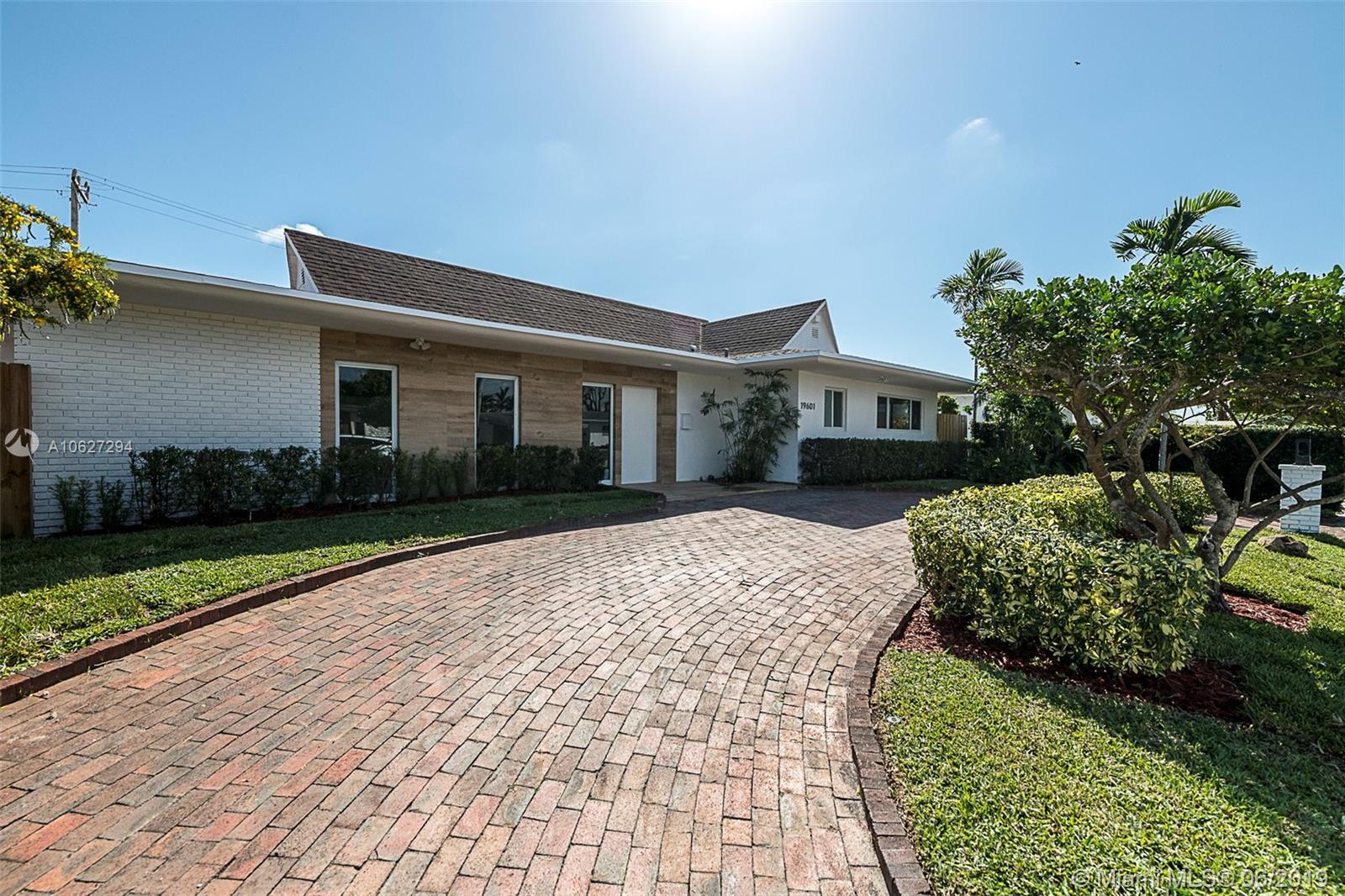 19601 NE 19th Ave  For Sale A10627294, FL