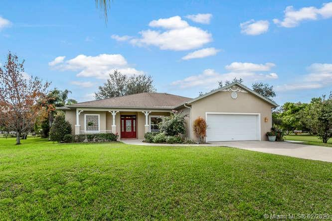 495 Holly Ave, Other City - In The State Of Florida, FL 33935