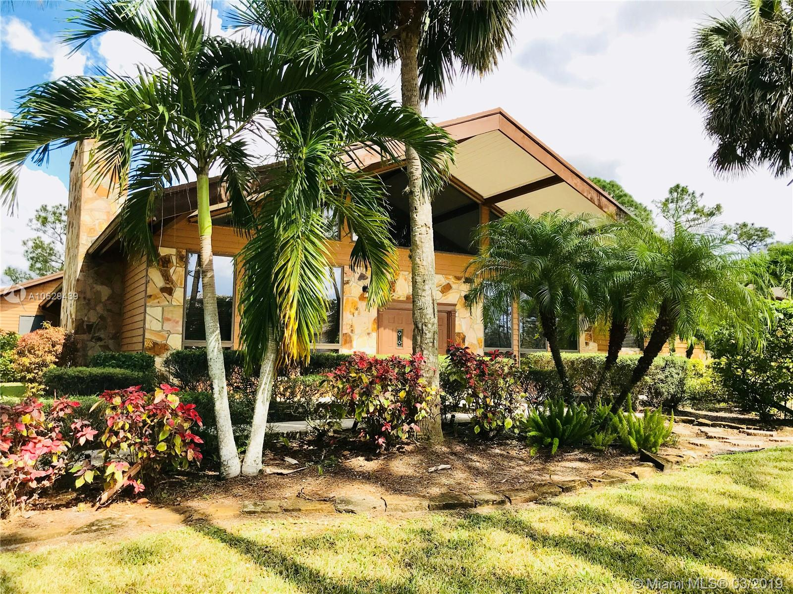 Perfect gated community Horse Farm House !!!! Horse Heaven !!! bring your horses bring your best Tenant !!!!  5 Acres with 4 stalls and beautiful lake front pool home !!! let's make a deal !!!