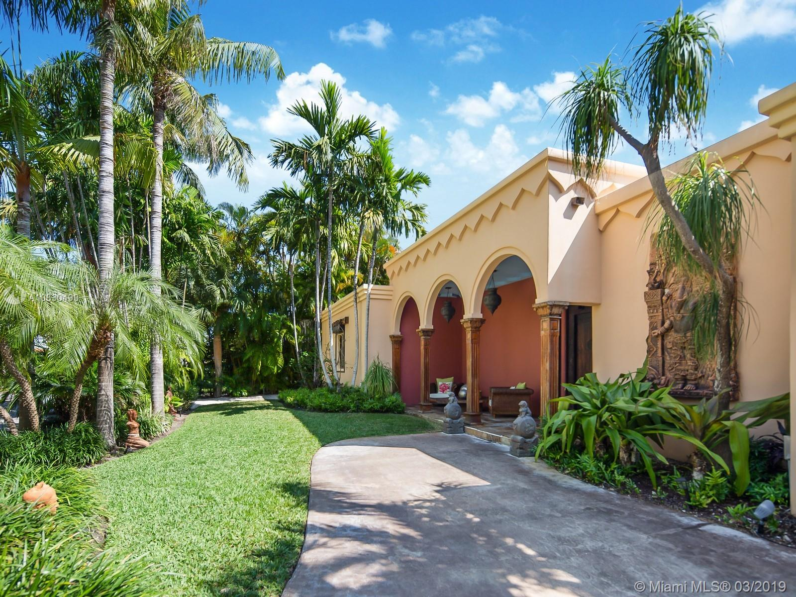 365  Harbor Ct  For Sale A10630499, FL
