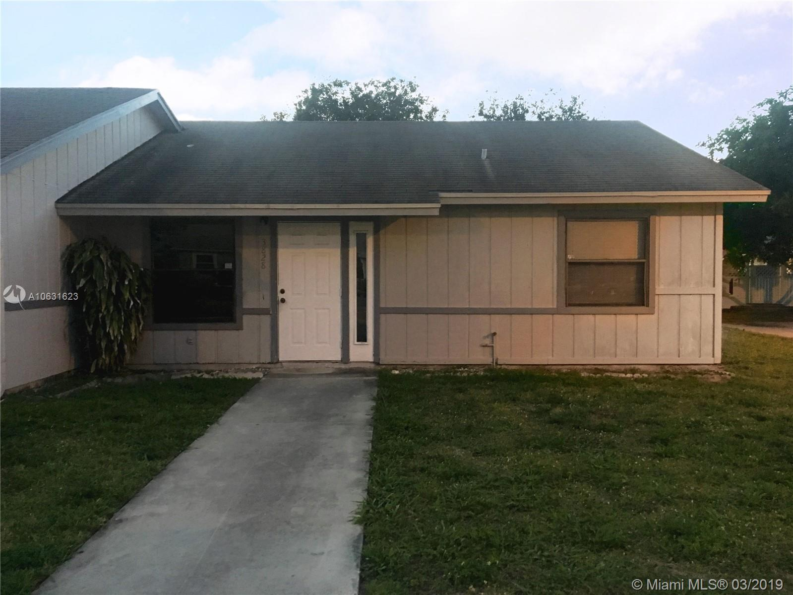 3828 Parkside Cir, Palm Springs, FL 33461