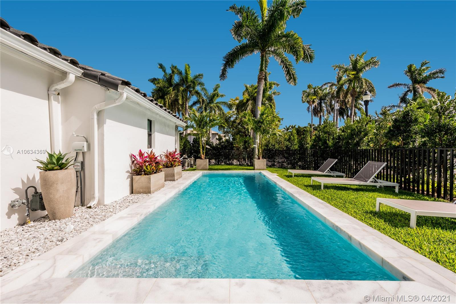 259 S Coconut Ln  For Sale A10634369, FL