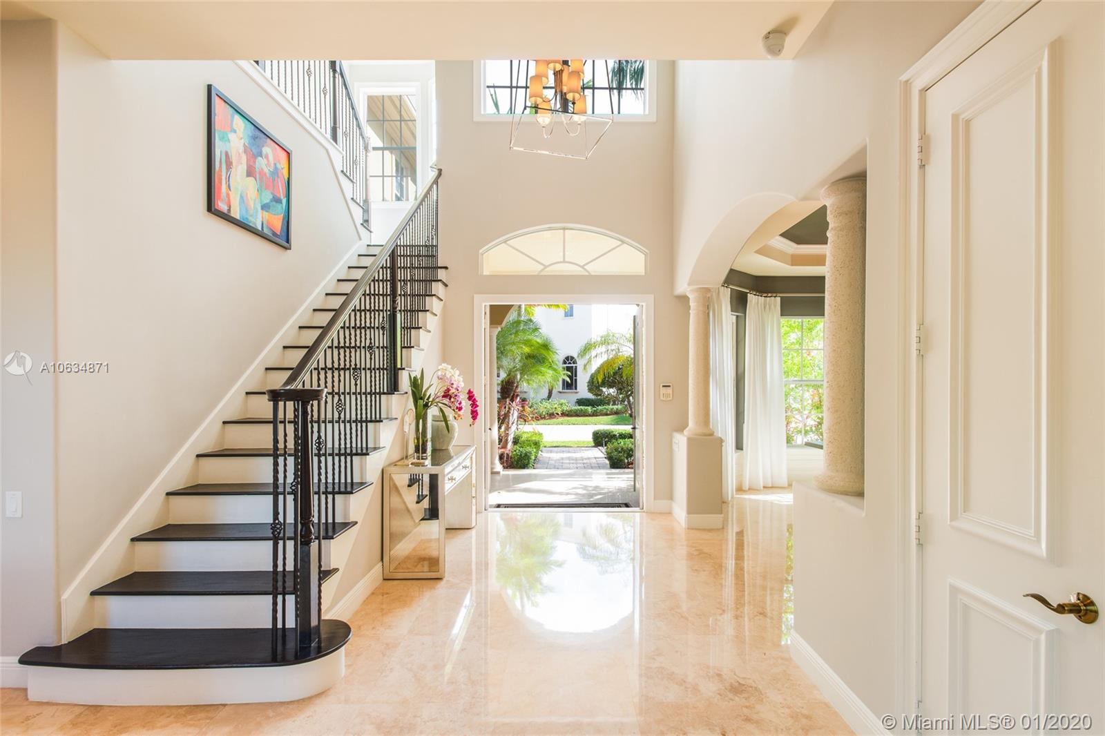 845  Meridian Ln  For Sale A10634871, FL