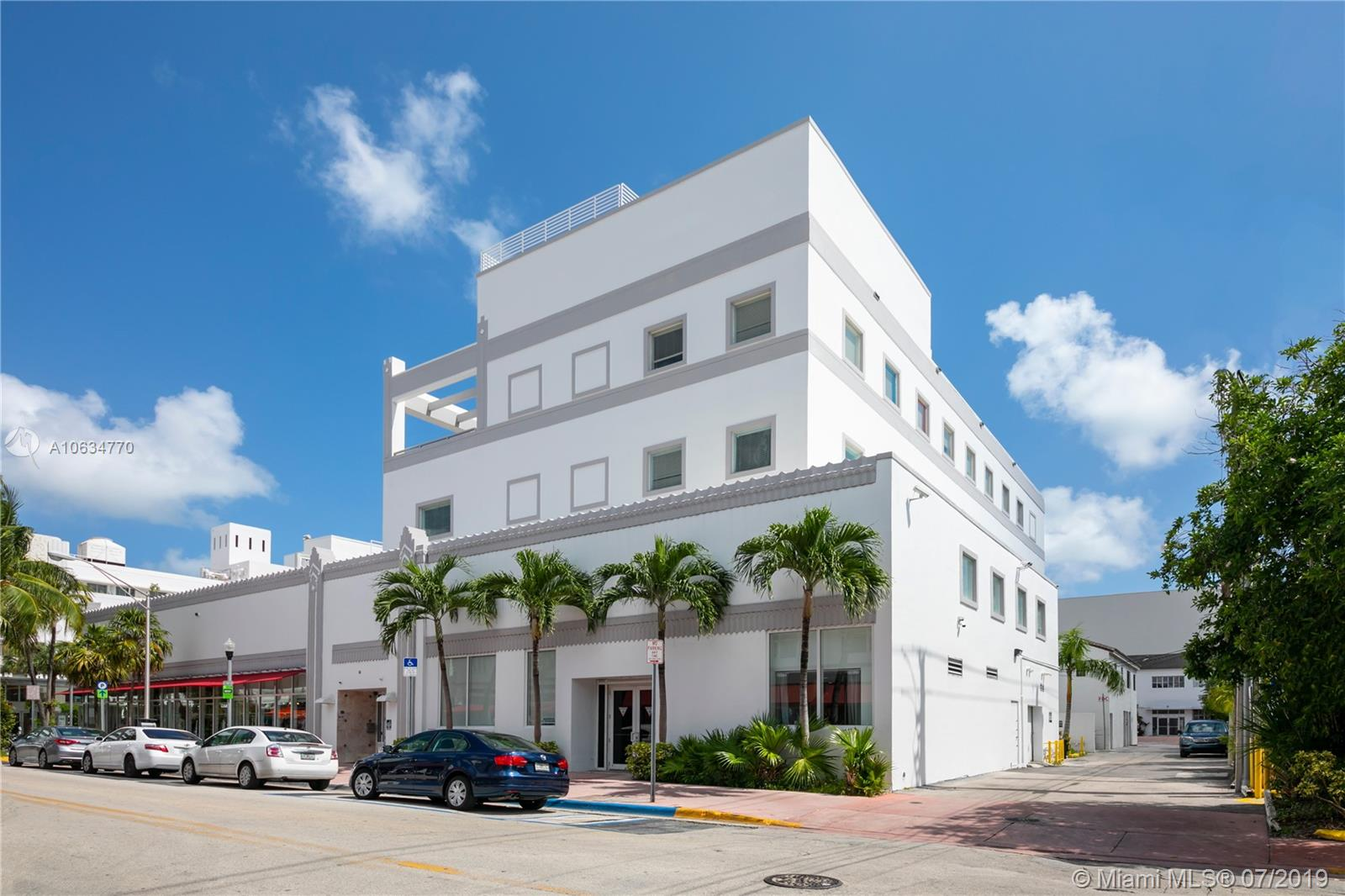 560  Lincoln Rd #SUITE 300 For Sale A10634770, FL