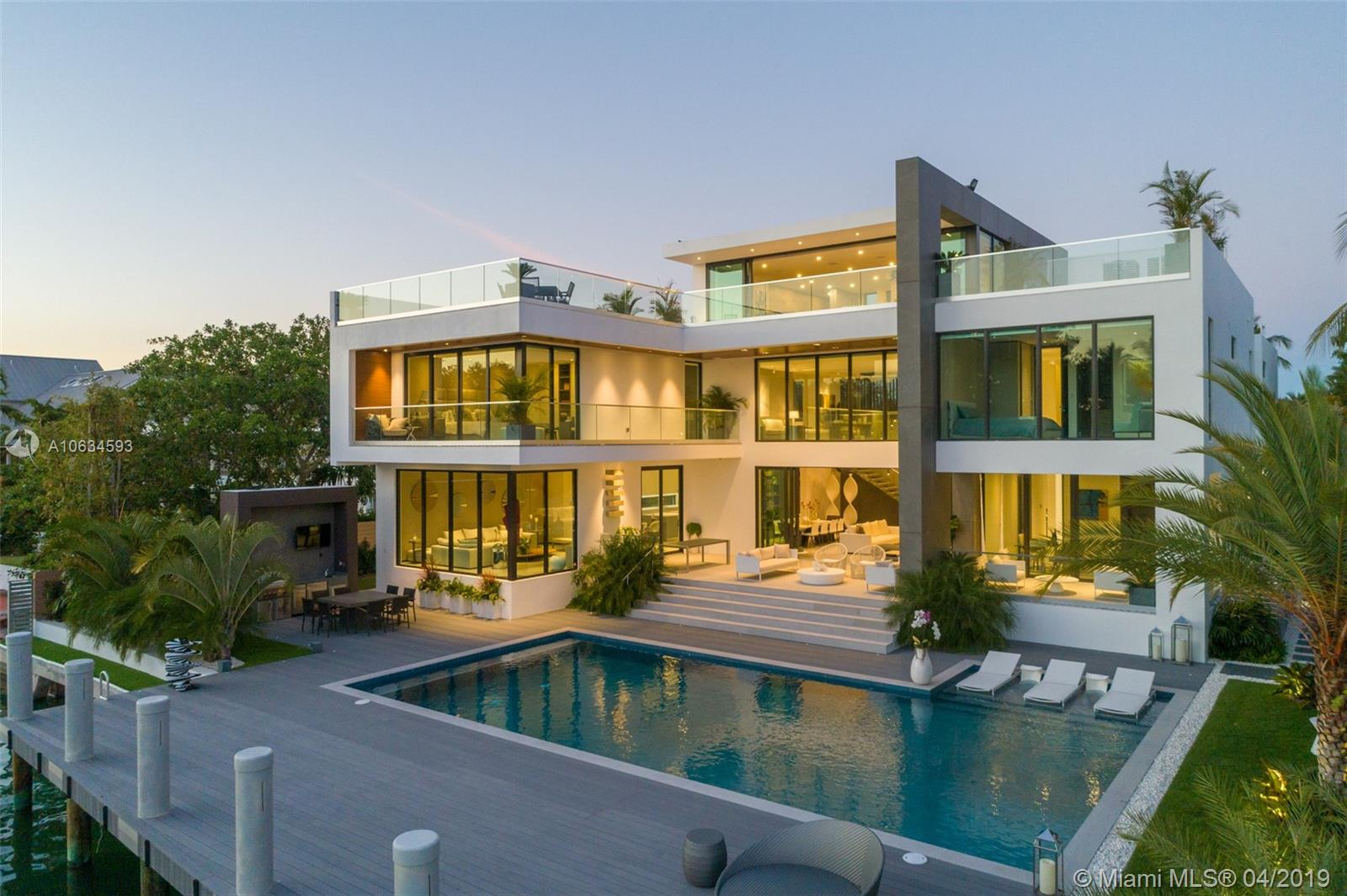 880  HARBOR DRIVE  For Sale A10634593, FL