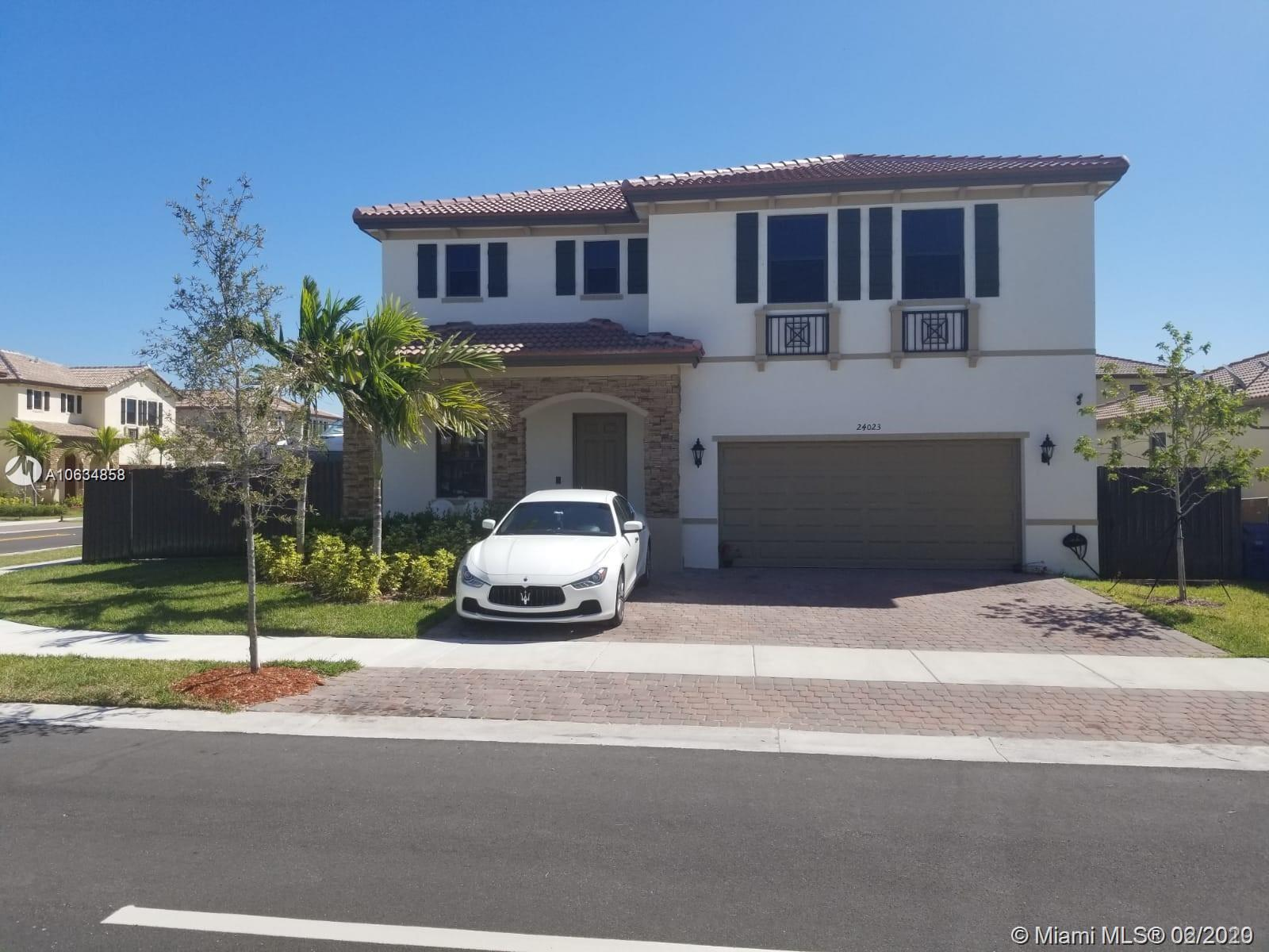 This beautiful two-story home built in 2017 has 4 bedrooms, 2.5 bathrooms, 2 car garage, beautiful pool area with a gazebo in the backyard, and an outdoor kitchen. Has plenty of space for your boat. Only a few blocks away from the turnpike expressway and near major stores like Walmart, Publix, Southland Mall. Don't miss this opportunity! Make your move, bring your offer :)