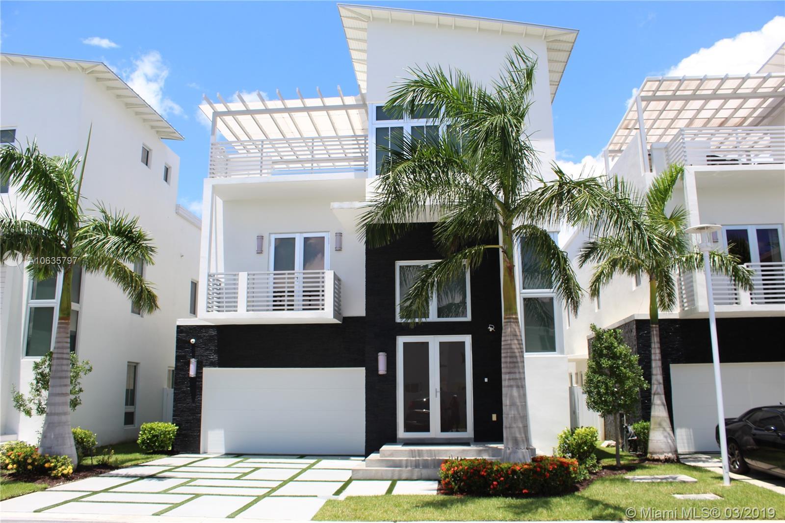 8435 NW 34th Dr, Miami, FL 33122
