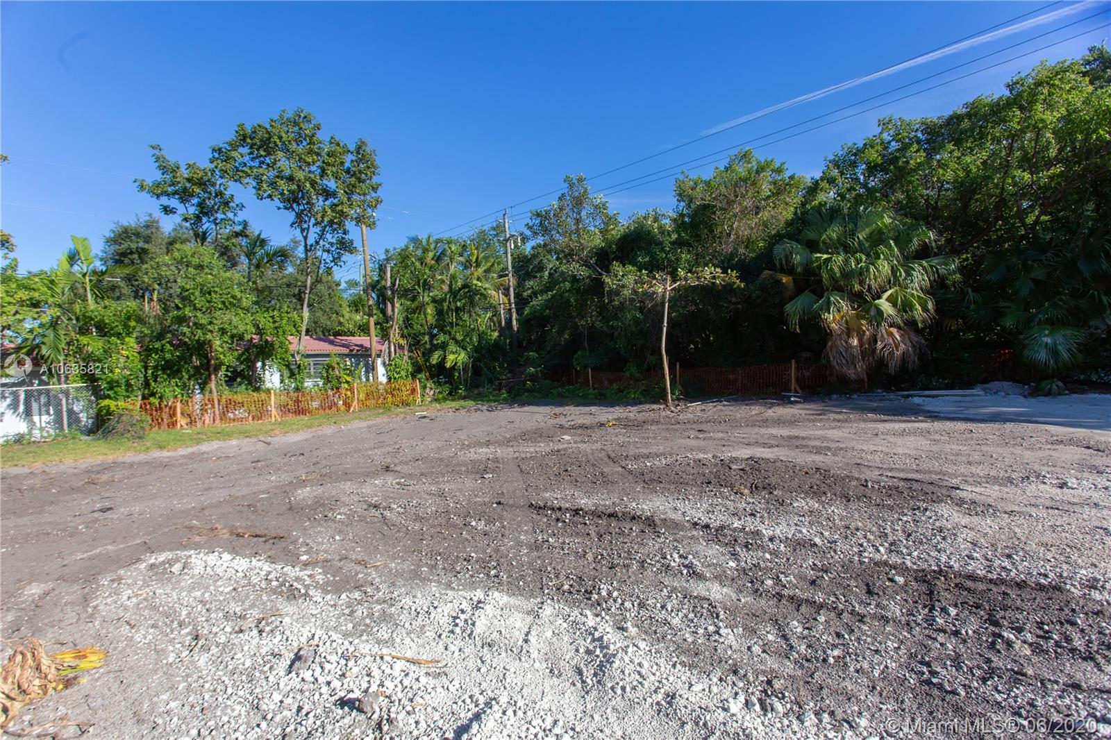 233  SHORE DRIVE EAST  For Sale A10635821, FL