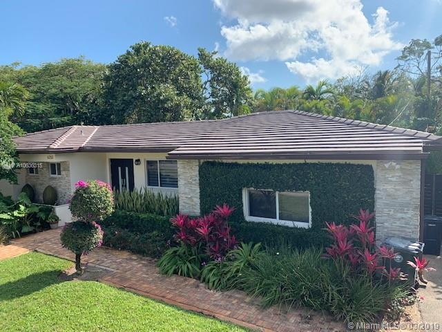 6250 SW 44th St  For Sale A10636315, FL