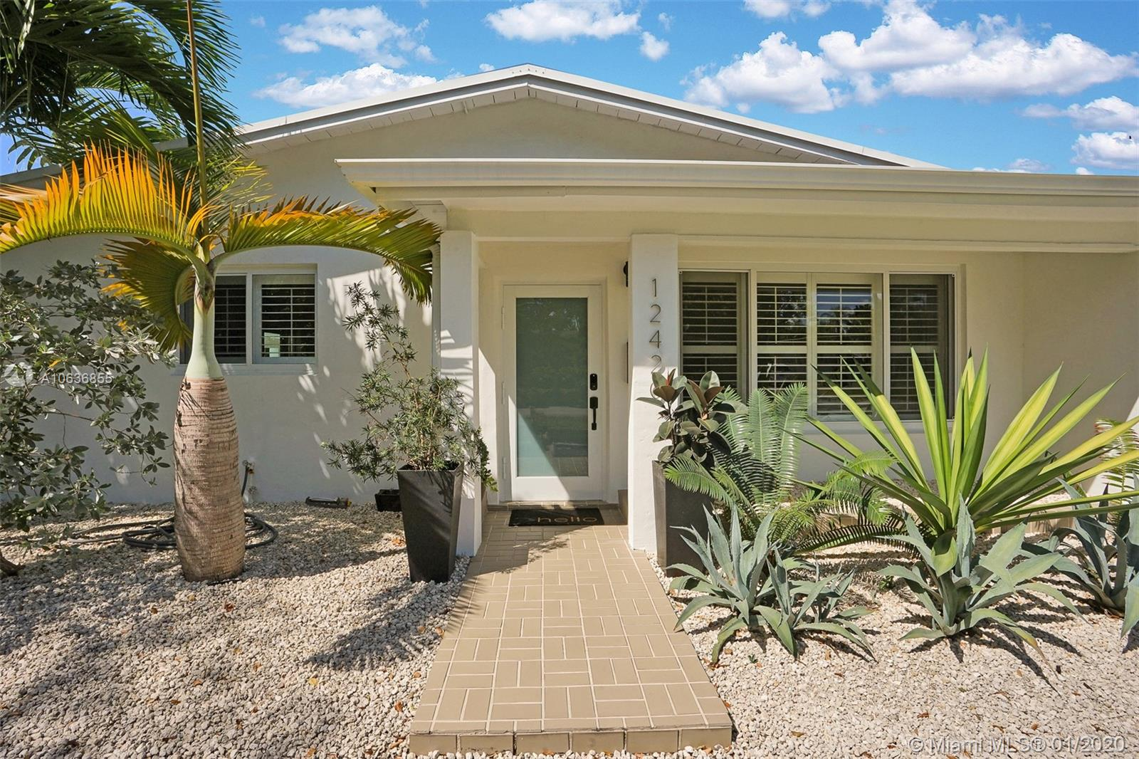 12420 SW 69th Ave  For Sale A10636855, FL