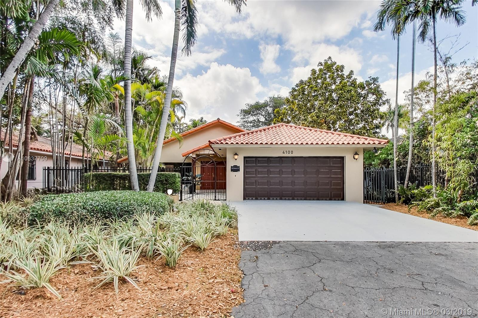 4100 SW 14th St  For Sale A10637709, FL