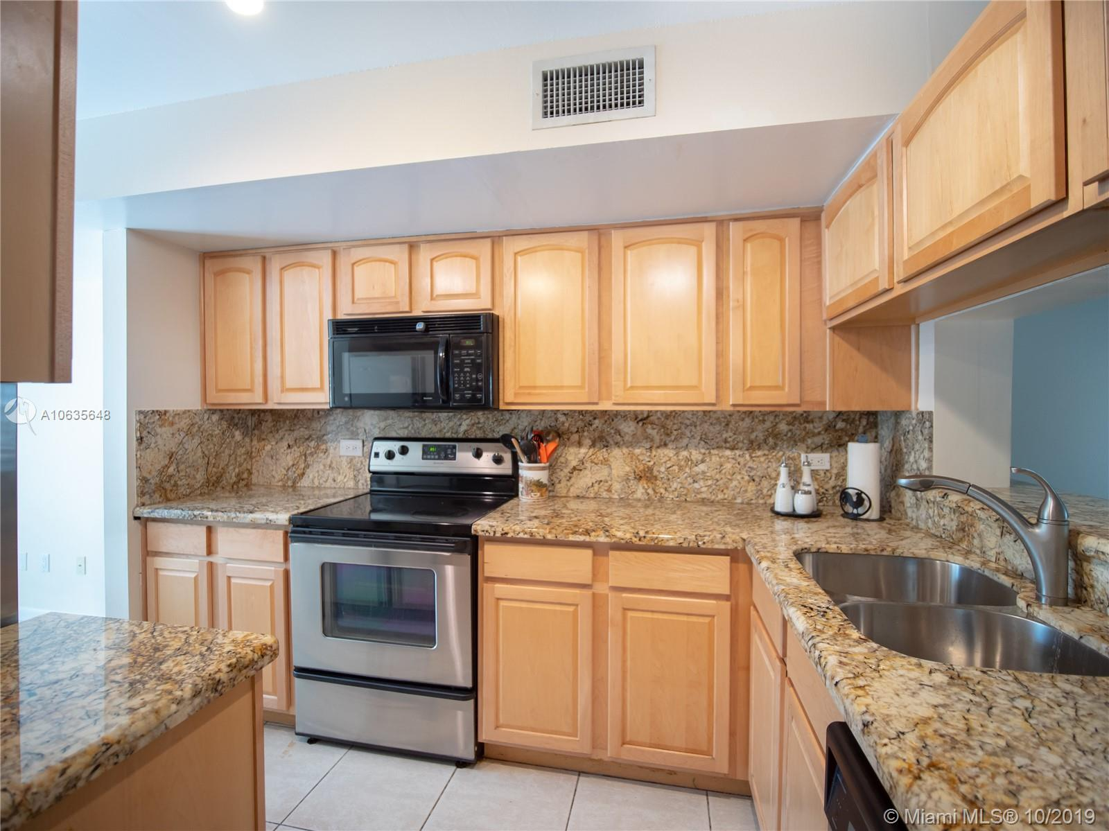 7880 SW 86th St #4 For Sale A10635648, FL