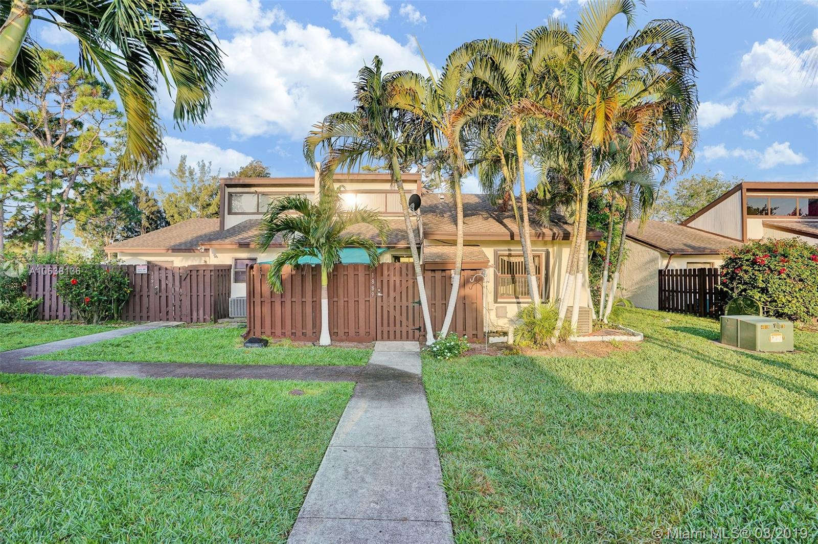 1889 Abbey Rd, West Palm Beach, FL 33415