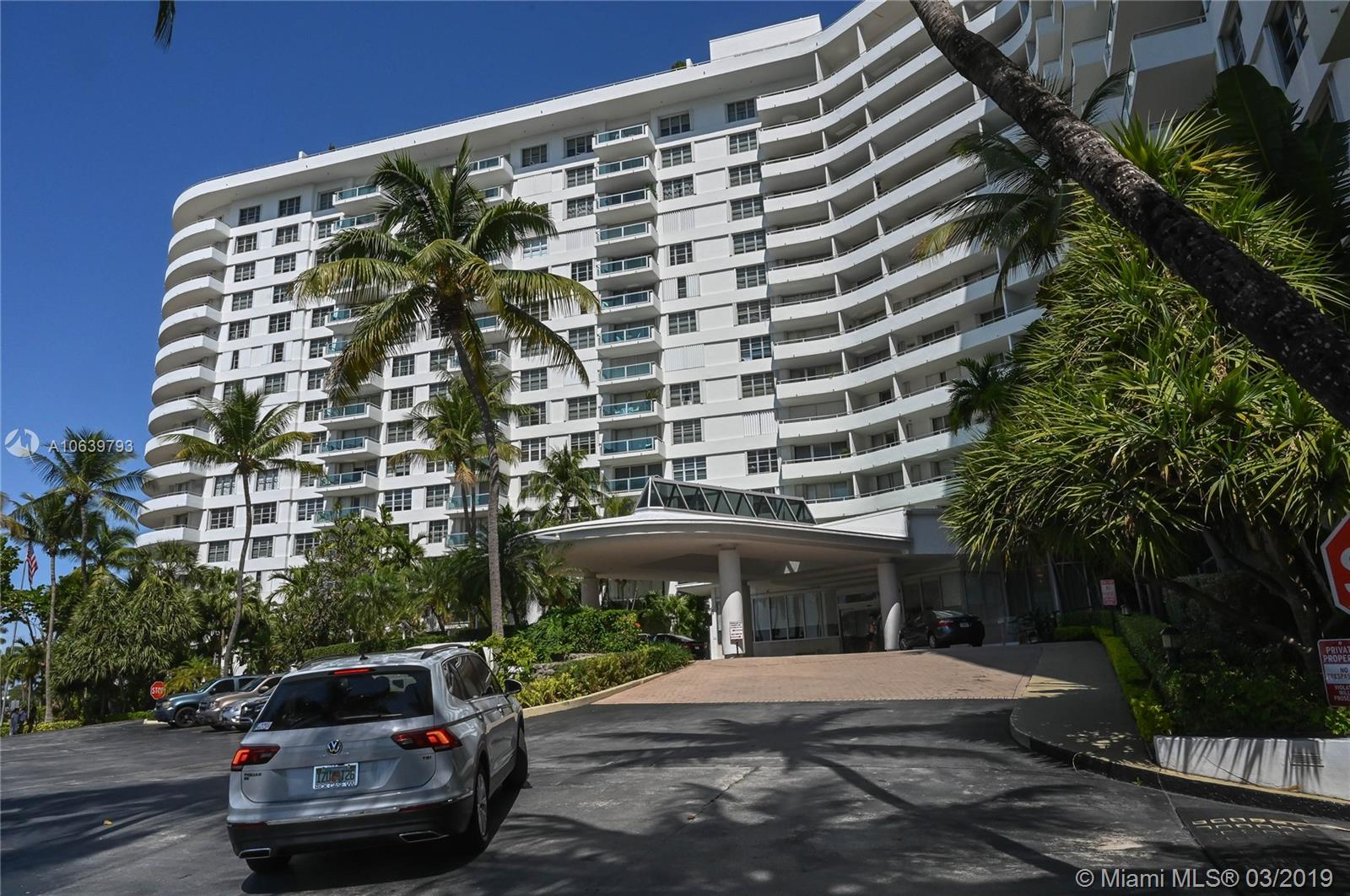 5161 Collins Ave  901