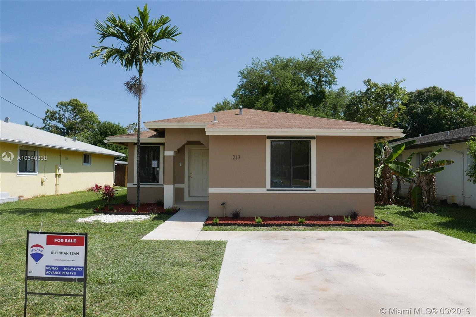 213 SW 5th Ave  For Sale A10640308, FL