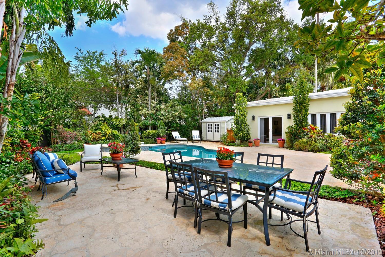 4021  Woodridge Rd  For Sale A10640891, FL