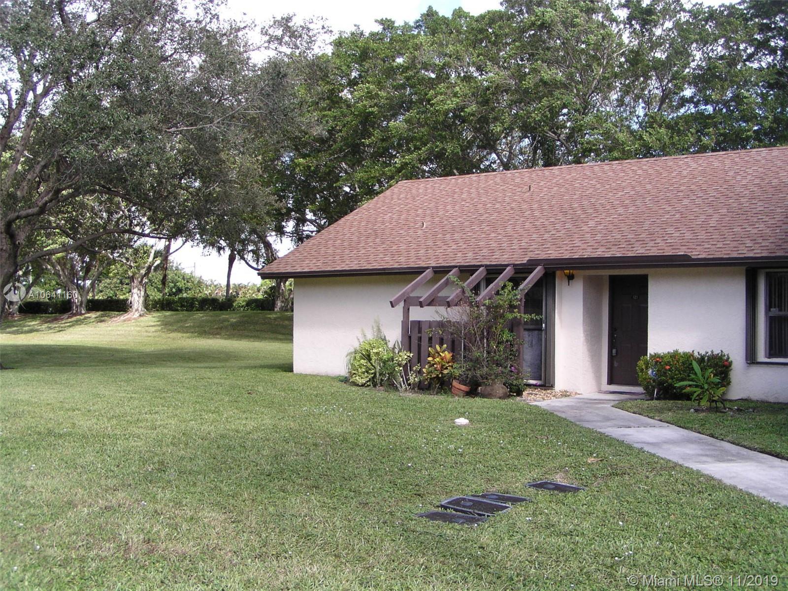 121 Via De Casas Norte, Boynton Beach, FL 33426