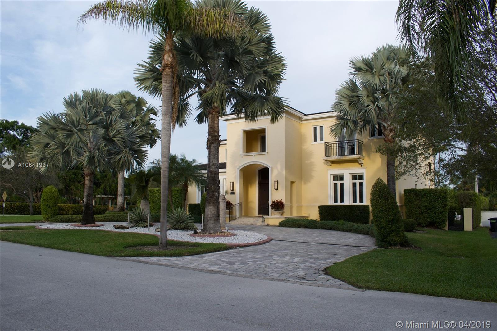 12755 SW 57th Ave  For Sale A10641937, FL