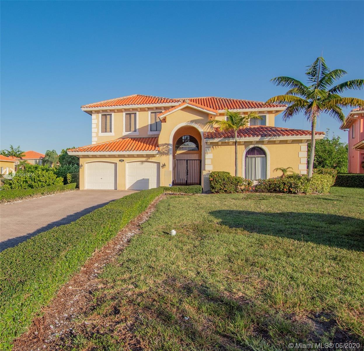 7625 SW 193rd Ln  For Sale A10641801, FL