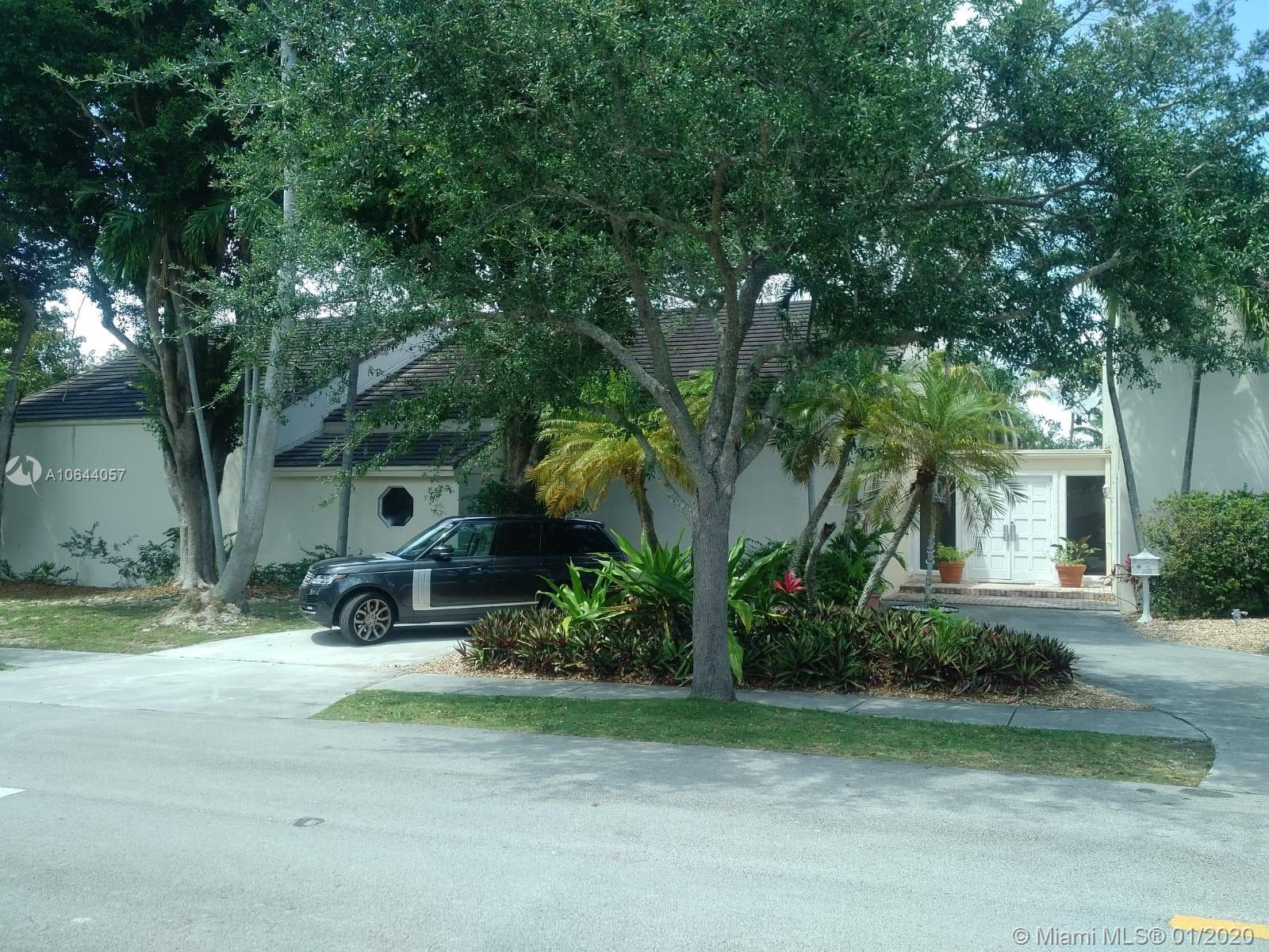 5885 SW 102nd St  For Sale A10644057, FL