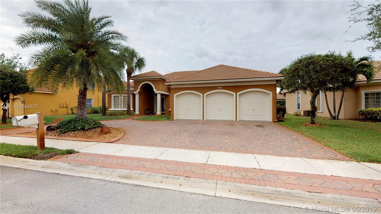 15965 SW 15th St, Pembroke Pines, FL 33027