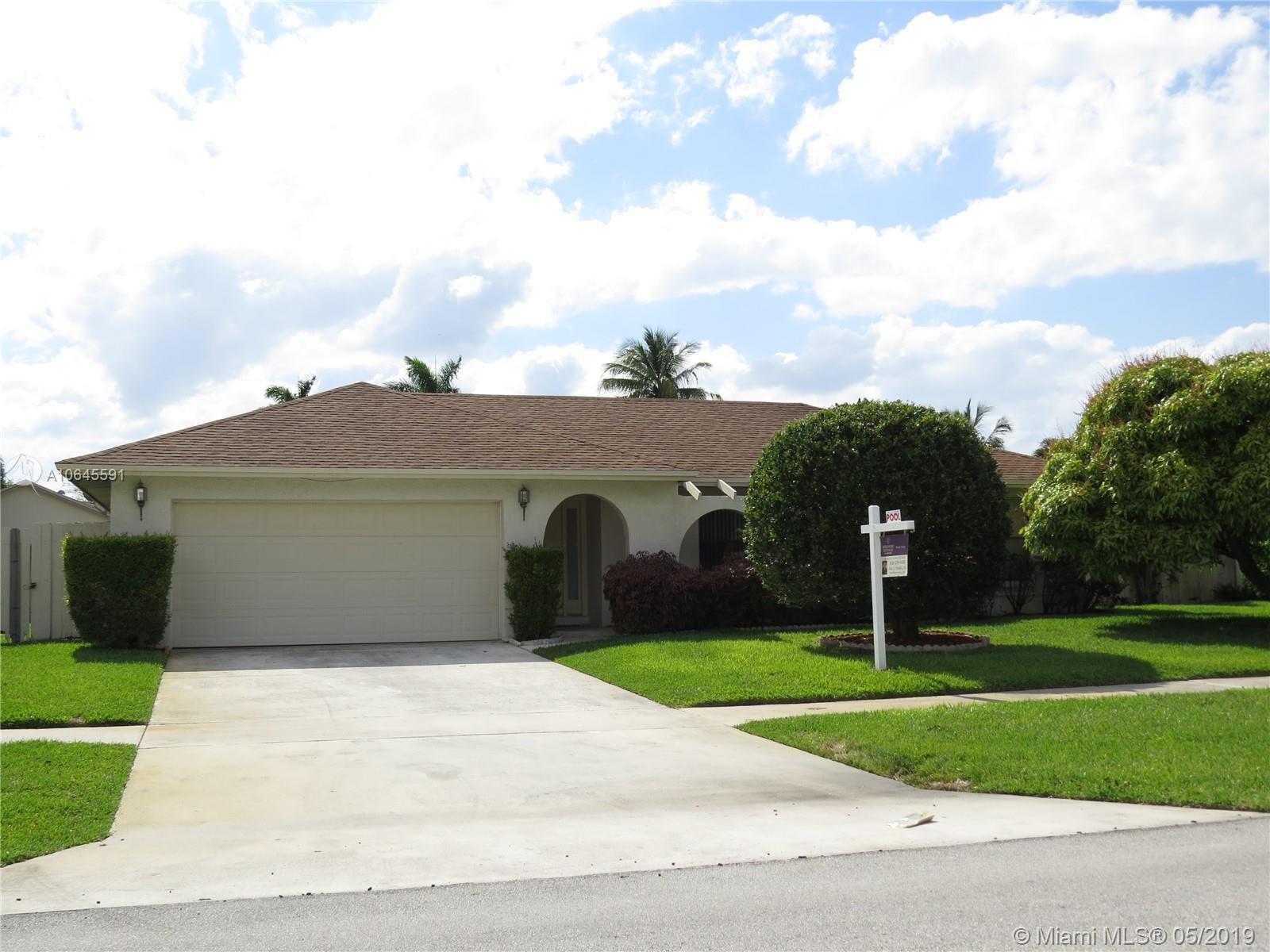 327 NW 41st Way, Deerfield Beach, FL 33442