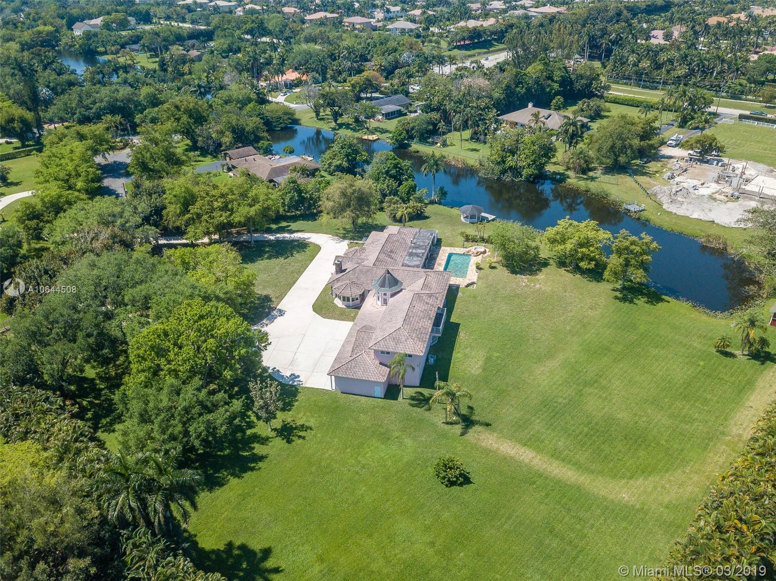 11050 SW 25th St  For Sale A10644508, FL