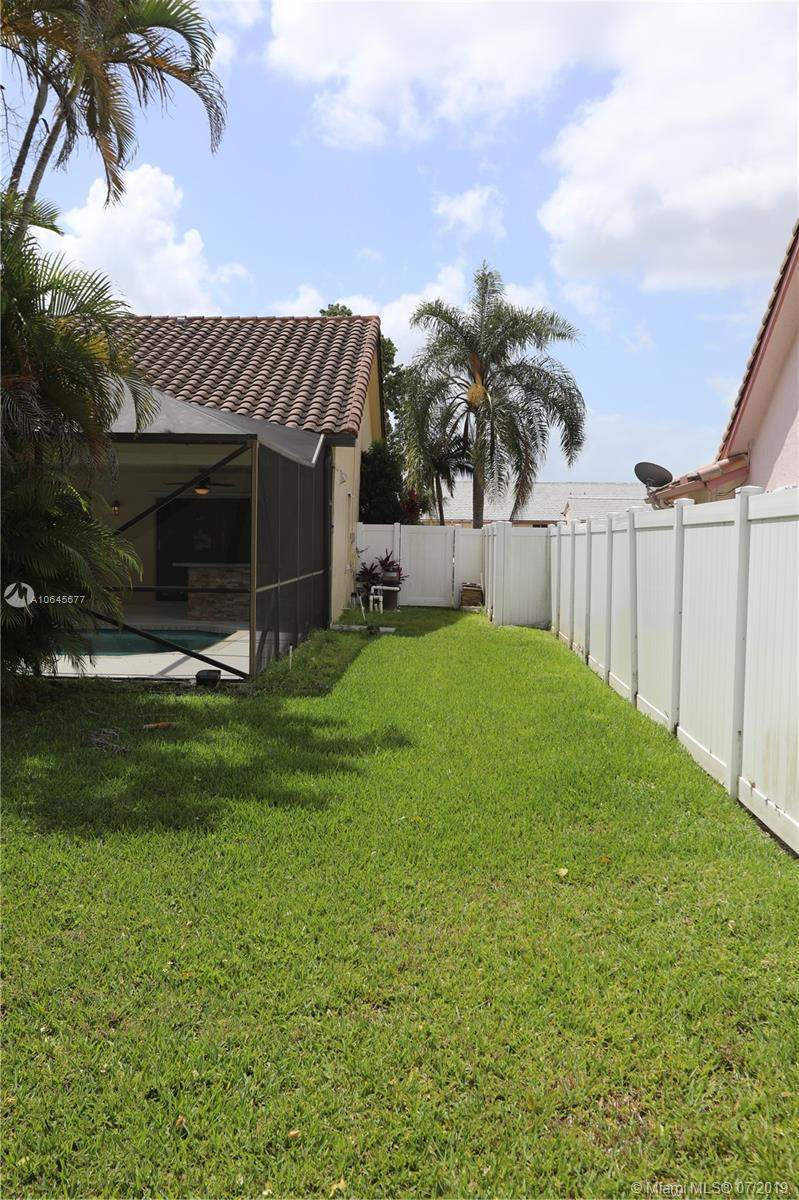 8419 80th Ct, Tamarac, Florida image 28