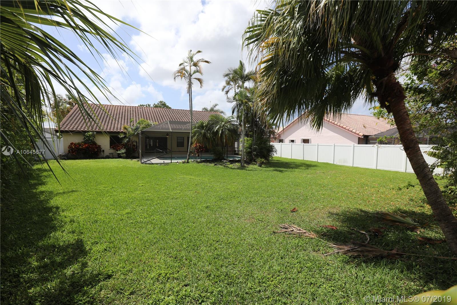 8419 80th Ct, Tamarac, Florida image 26