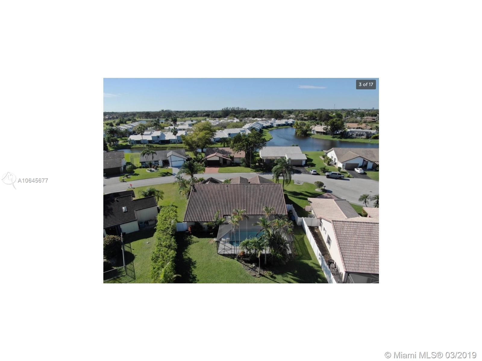 8419 80th Ct, Tamarac, Florida image 13