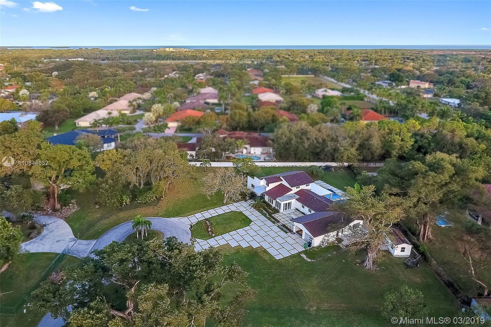 8400 SW 182nd Ter, Palmetto Bay, FL 33157