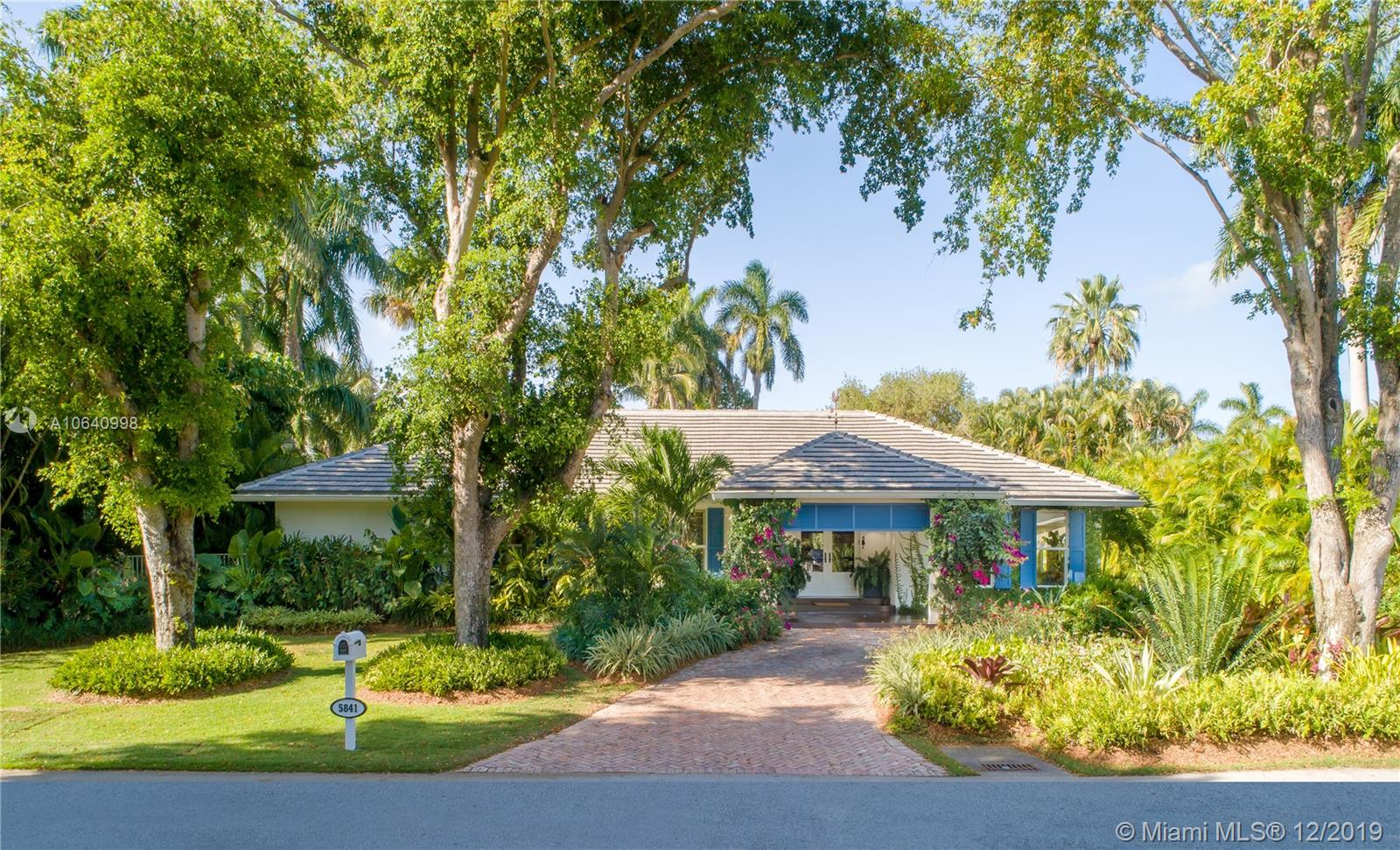 5841 SW 132nd Ter  For Sale A10640998, FL
