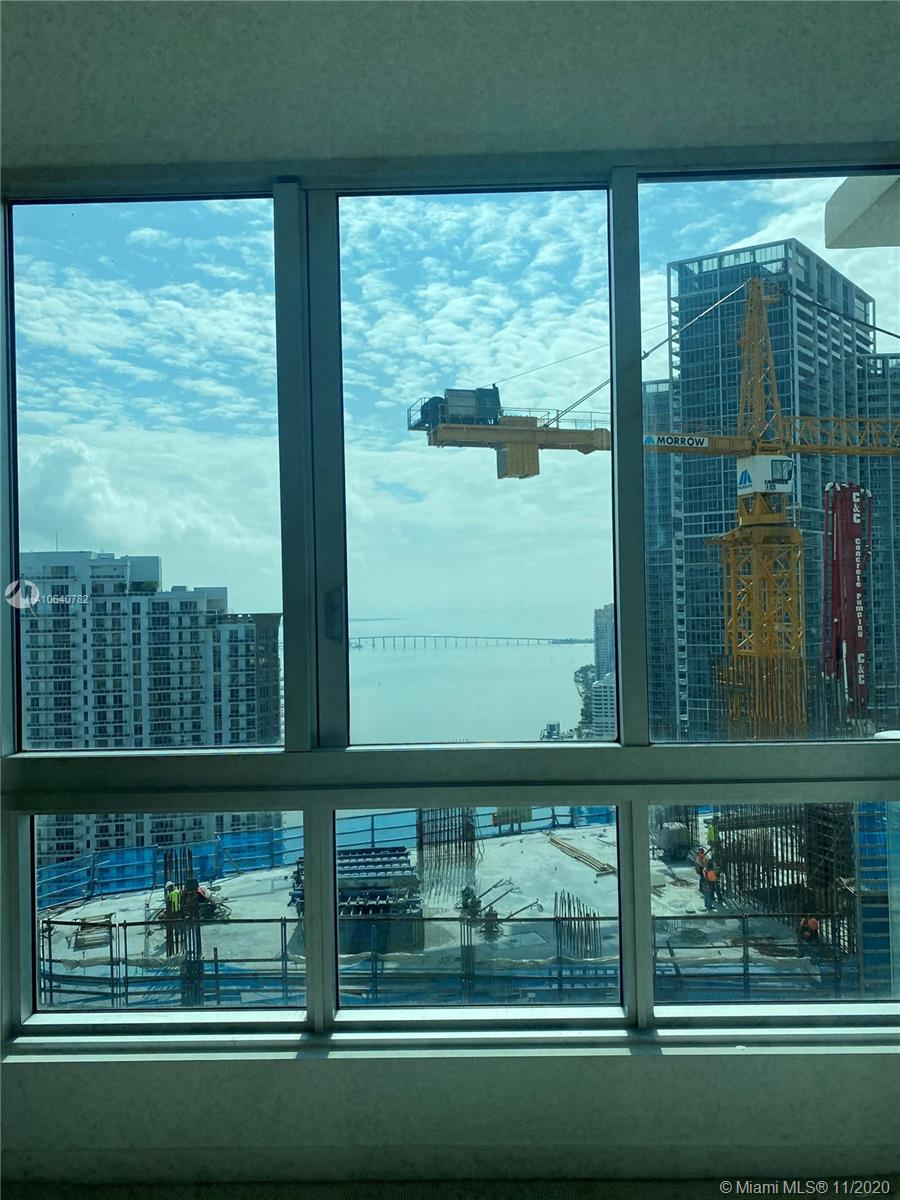 Met 1 is centrally located. Just one block away from Whole foods groceries and cinemas acroos the street. All Brickell district with walking distance!! Outstanding open view of the bay/ocean from this 32nd floor. This unit has a split floorplan with stainless steel appliances and marble kitchen/bathrooms. Washer and dryer on the unit. Seller can finance. 24 hrs listing appt. Tenant occupied. SHOWINGS ONLY THURSDAY, FRIDAY, SATURDAY