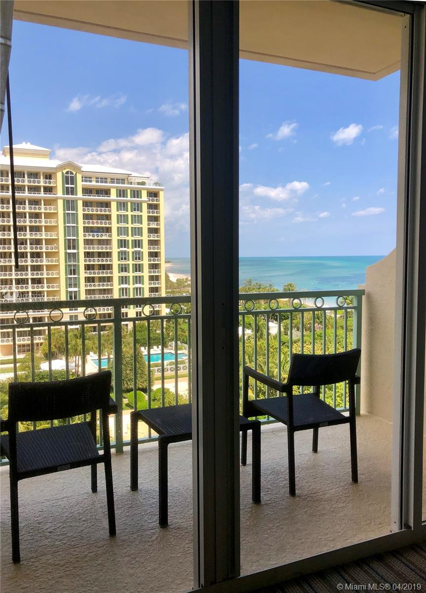Renovated ocean view studio with a balcony on high floor at The Ritz-Carlton in Key Biscayne. Building has had a multimillion-dollar renovation offering new state of the art restaurant with views to the ocean, along with (2) beach side restaurants and an in house café. Hotel amenities include concierge service, valet, gym, tennis, spa, beach service and more. Enjoy the use of this 5 Diamond resort property while you have the hotel manage it when you are away. Call listing agent for easy showing instructions.