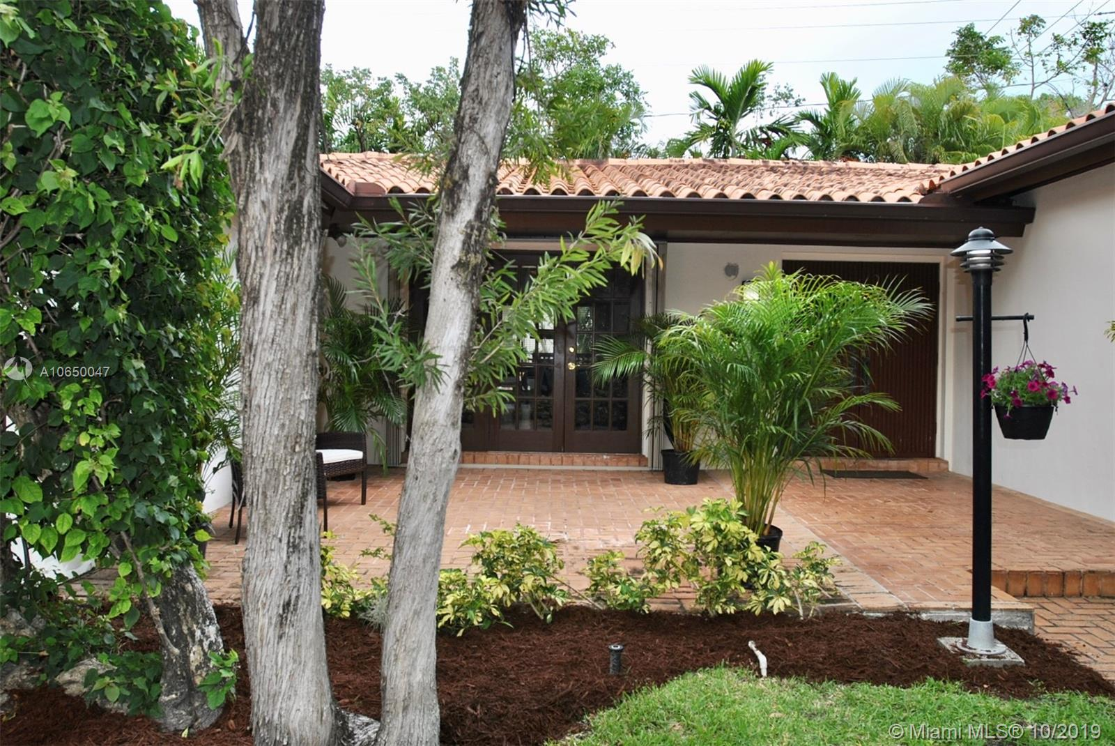 6907  Trionfo St  For Sale A10650047, FL