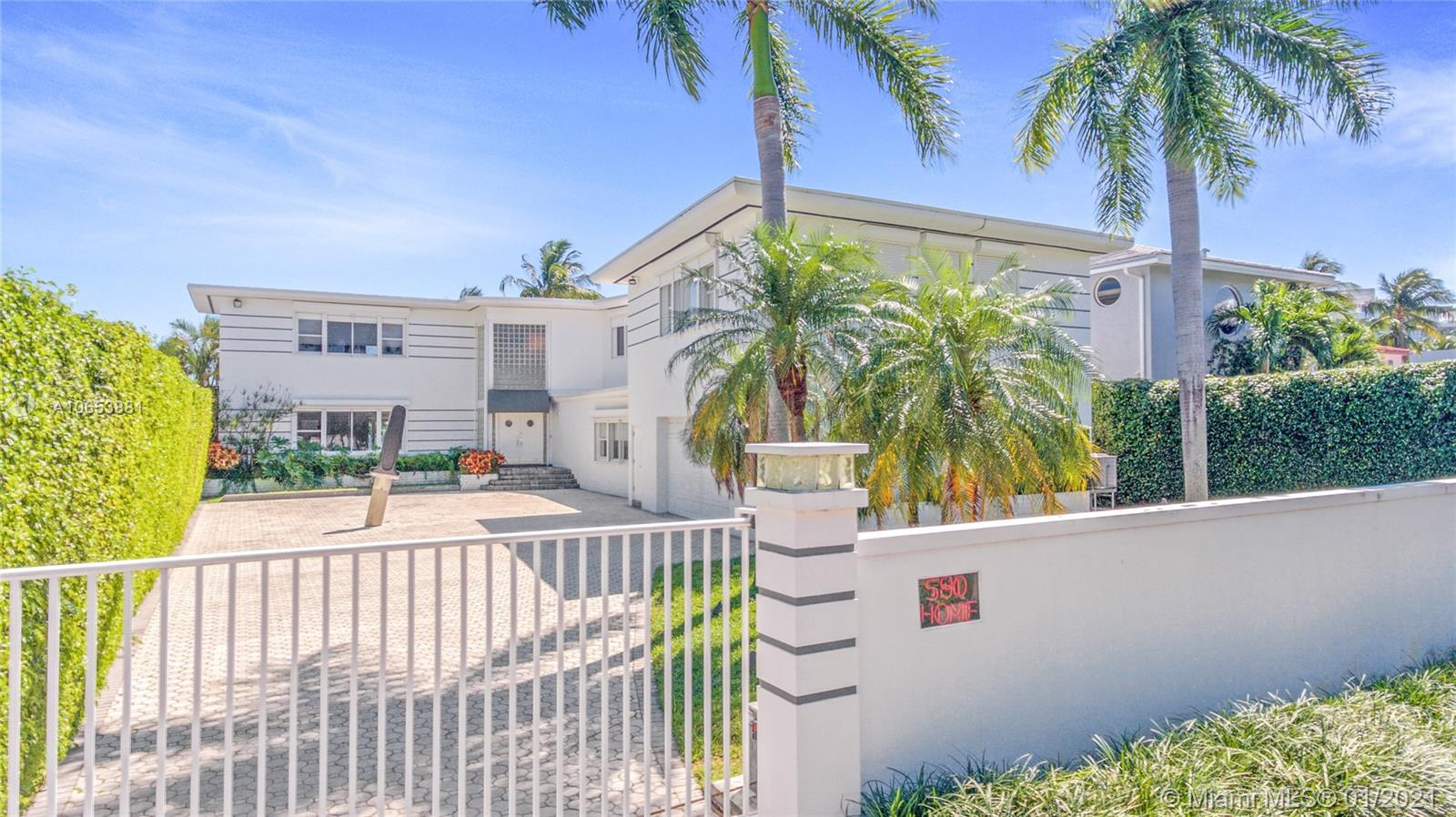 580  Lakeview Dr  For Sale A10653881, FL