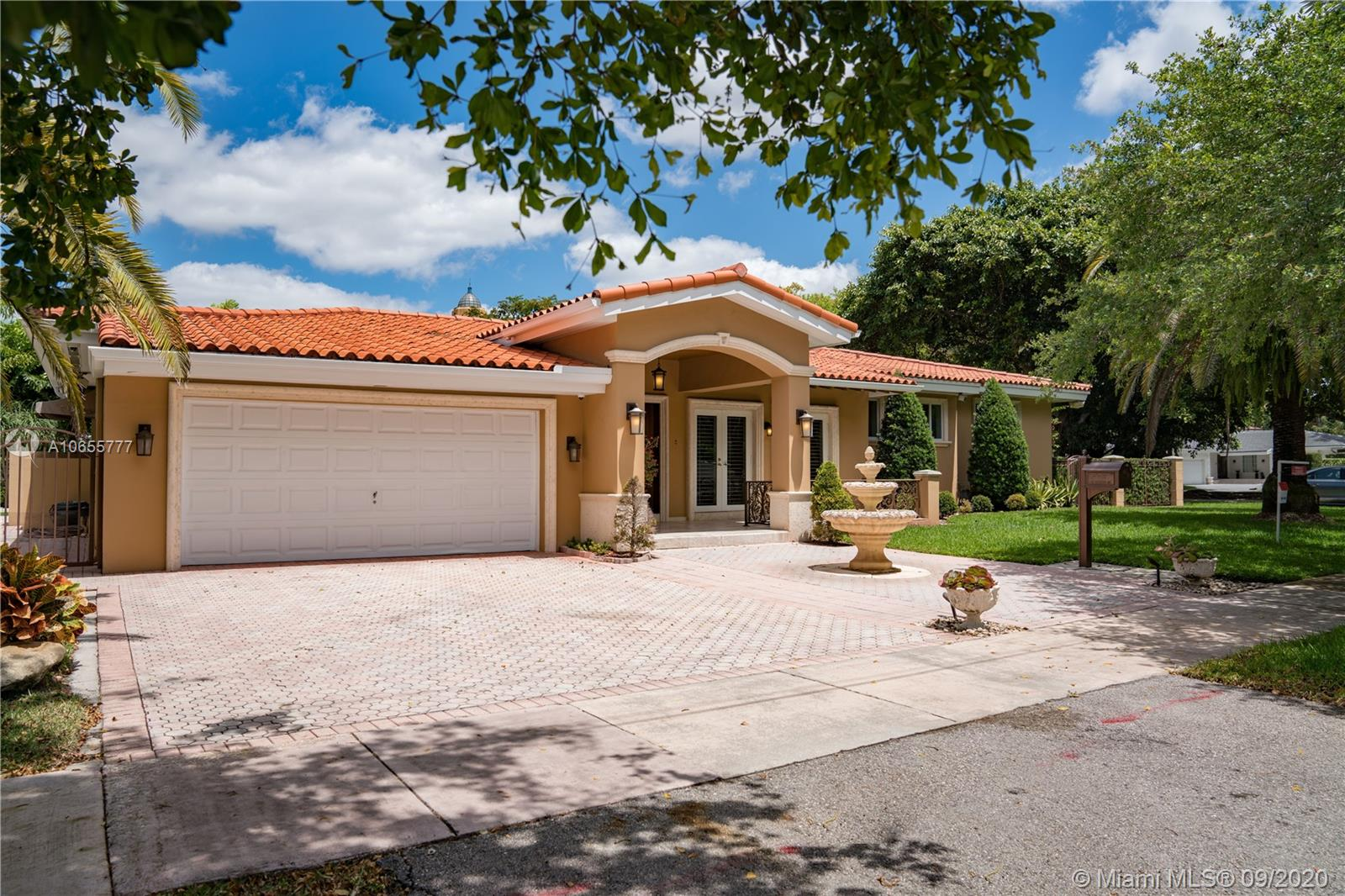 1501 S Greenway Dr  For Sale A10655777, FL