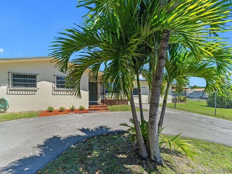 360 SW 104th Ct, Sweetwater, FL 33174