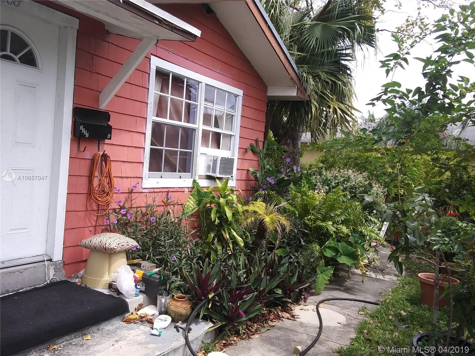 2327  Polk St  For Sale A10657047, FL