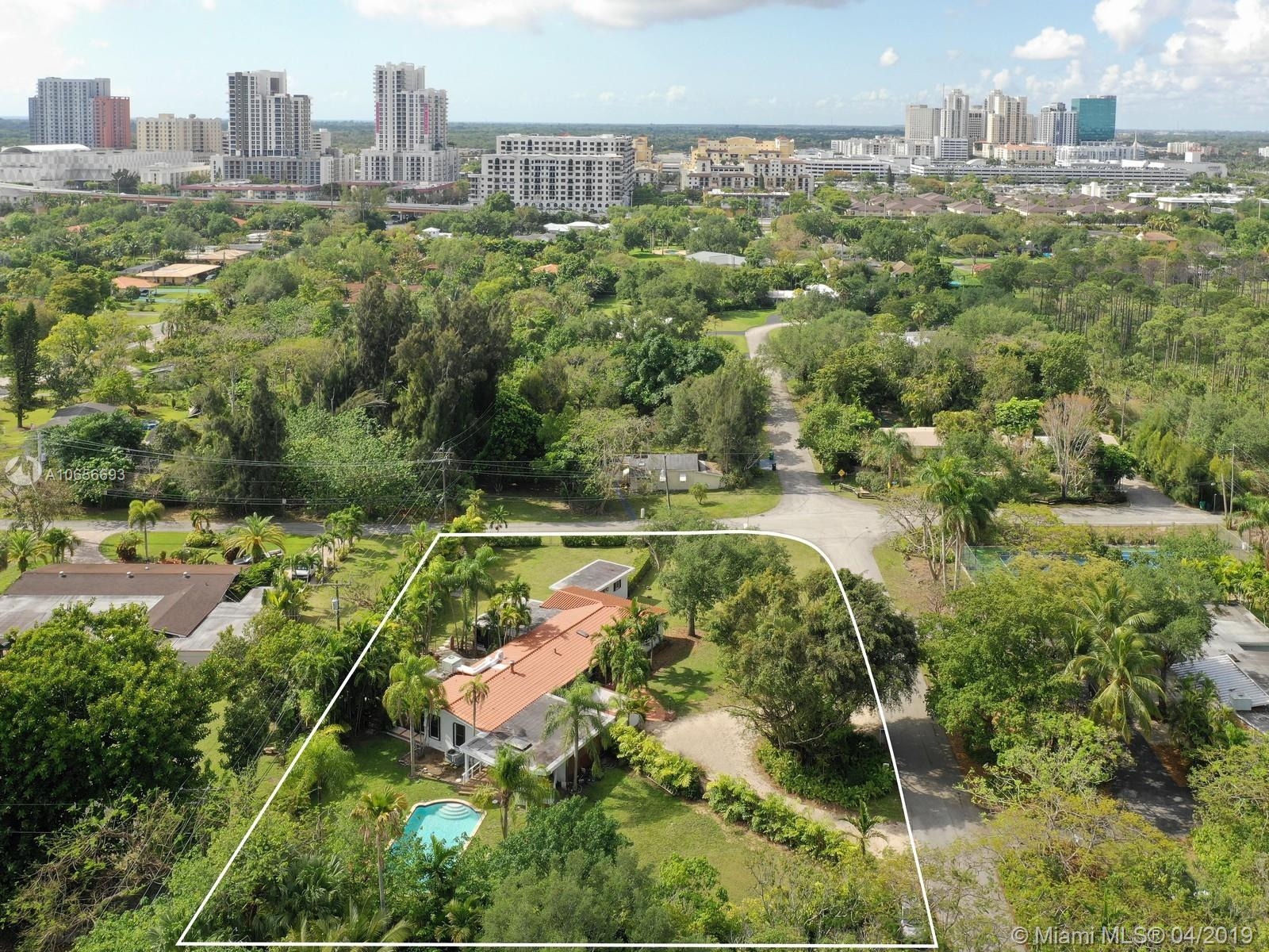 7525 SW 72nd Ct  For Sale A10656693, FL