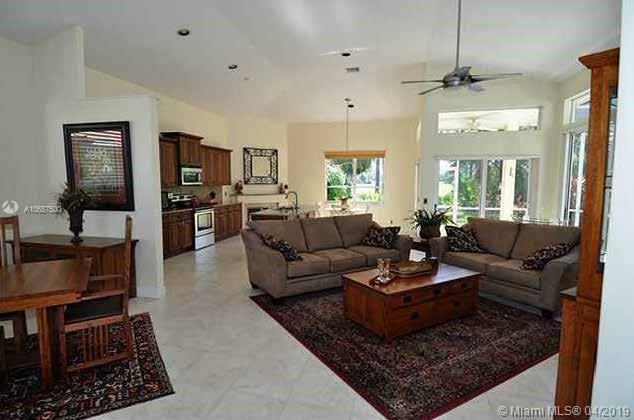 2243 NW Seagrass Dr  For Sale A10657500, FL