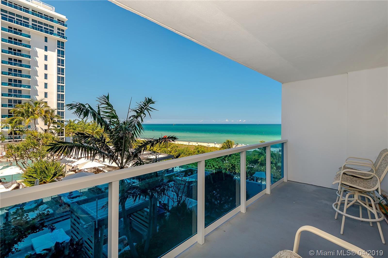 2301  Collins Ave   511