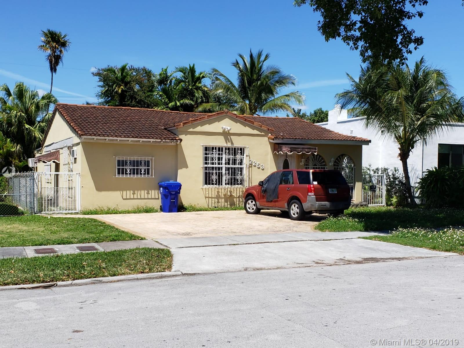 2253 SW 25th St  For Sale A10657871, FL