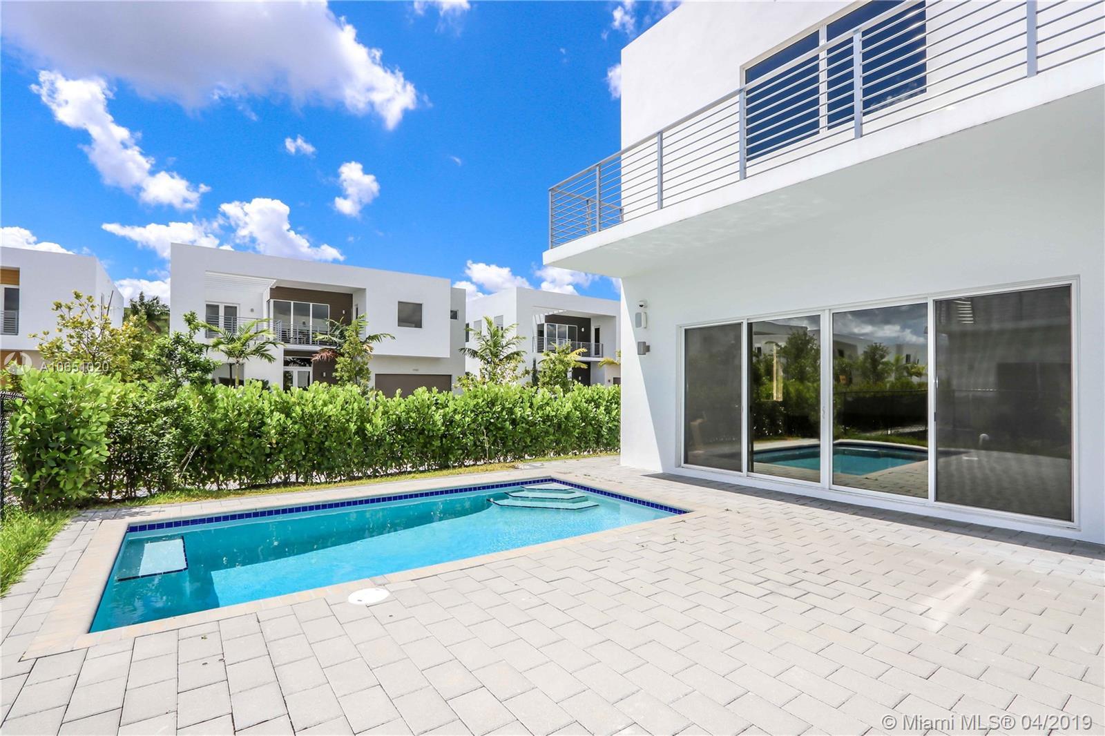 7443 NW 100th Ave, Miami FL 33178
